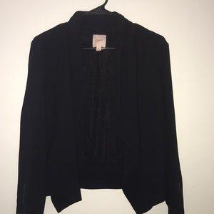 Tops - Juniors Black fly away blazer
